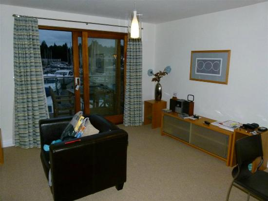 Windermere Marina Village : Loung area, apartment 36