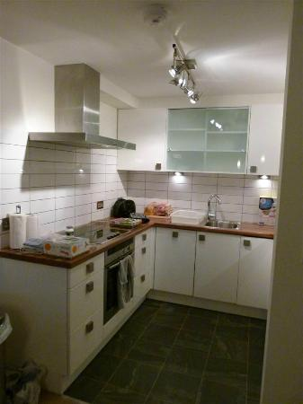 Windermere Marina Village : Kitchen area, apartment 36