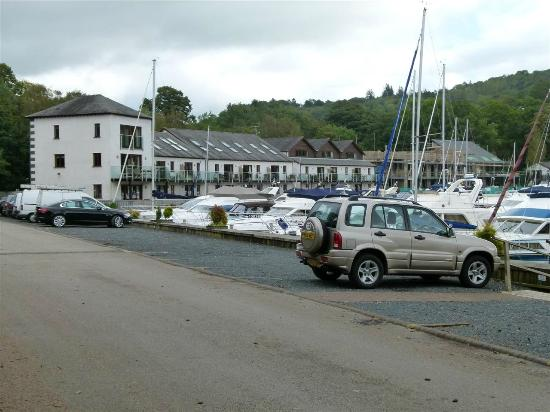 Windermere Marina Village: External View