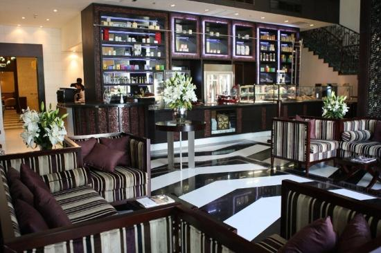 Merwebhotel Al Sadd Doha: Bar / Lounge