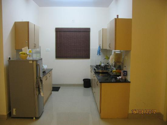 Maple Suites, Serviced Residences: Open Kicthen..Loved to cook here