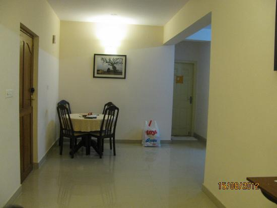 Maple Suites, Serviced Residences: Dining Space...