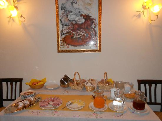 Agriturismo Ca' Danieli: Generous and varied breakfast