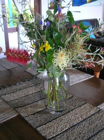 Beachside Prevelly Villas: Fresh flowers on arrival