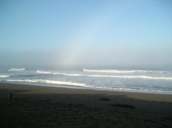 Moonstone Landing: Sunrise walk along the beach on a cool May morning