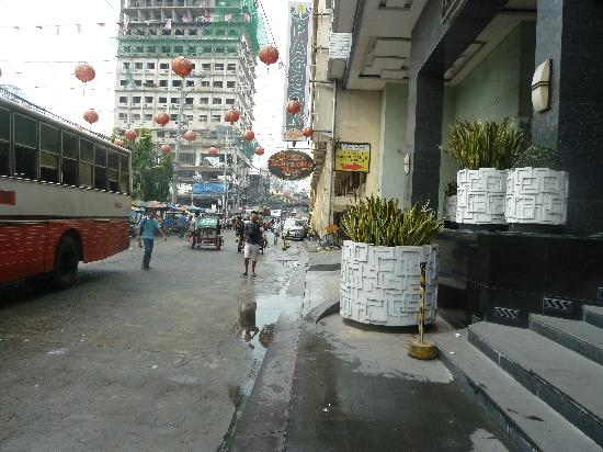 Manila Grand Opera Hotel: looking down the road