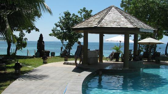 Castello Beach Hotel: panorama dal ristorante