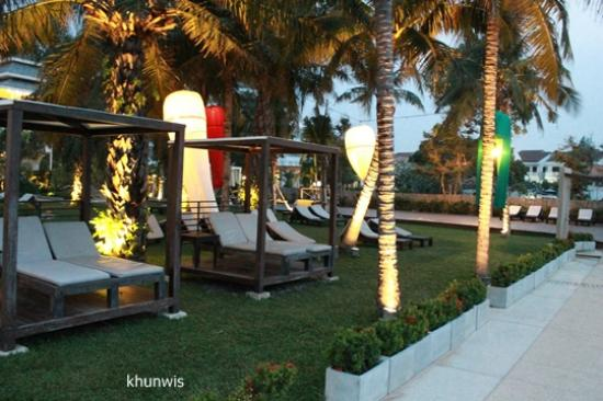 Novotel Hua Hin Cha Am Beach Resort and Spa: Relax place.