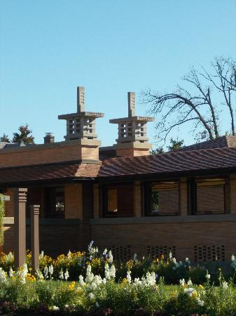 Frank Lloyd Wright's Darwin D. Martin House Complex: Martin Houses Atop the DMHC