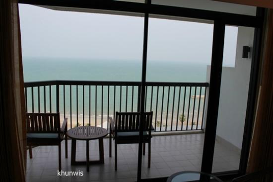 Novotel Hua Hin Cha Am Beach Resort and Spa: view from the room.