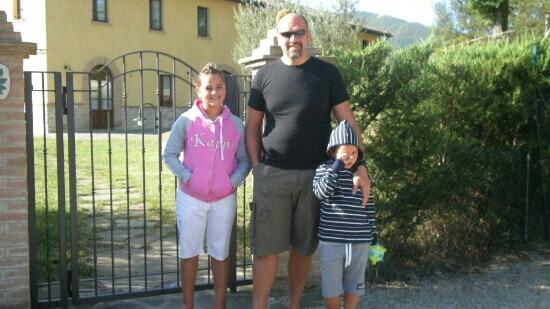 Agriturismo Casale degli Olmi: Il cancello di ingresso