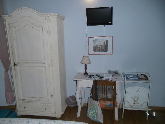 Relais del Duomo: Muebles de la habitación