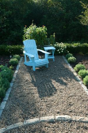 Hidden Pond: Garden