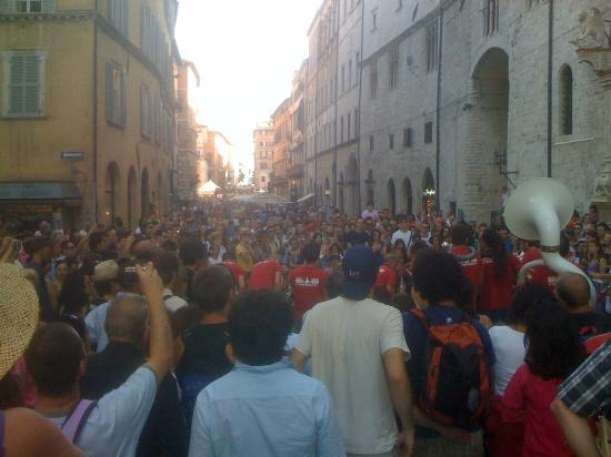 Corso Vannucci : Crowded for Jazz Fest