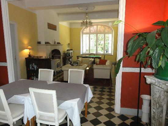 Chateau de la prade: Stylvoller Speise-Salon
