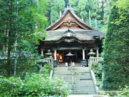 Komagane, Япония: 貫禄の本殿