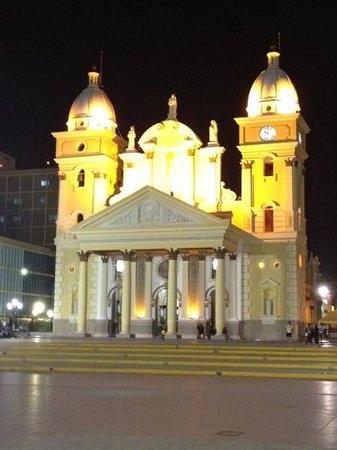 Basilikan Vår fru av rosenkransen i Chiquinquira