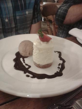 The Kicking Donkey: White chocolate torte - yum!