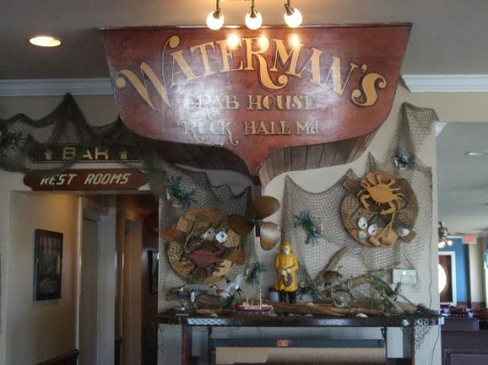 Waterman's Crab House: Decor Inside