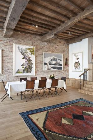 Jacquemine Luxury Guesthouse & Art Gallery: Breakfast room
