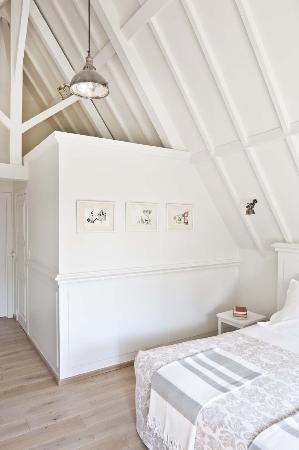 Jacquemine Luxury Guesthouse & Art Gallery: White room