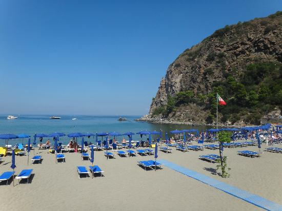 Lacco Ameno, Italy: Private beach
