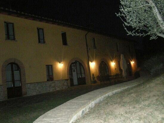 Agriturismo Casale degli Olmi: Di sera...