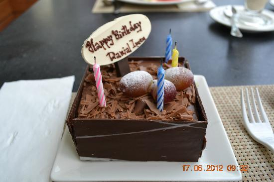 Holiday Inn Phuket Mai Khao Beach Resort: Birthday cake for my 4 yr old