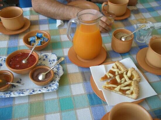 Agriturismo Casale degli Olmi: L'ottima colazione..