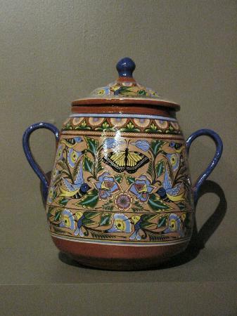 Museo de Arte Popular: Beautiful pottery from Michoacan