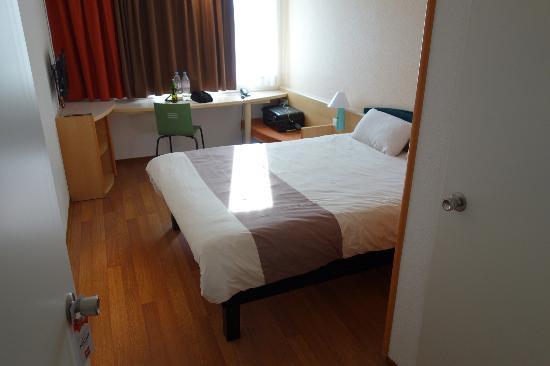Ibis Berlin Mitte: Room