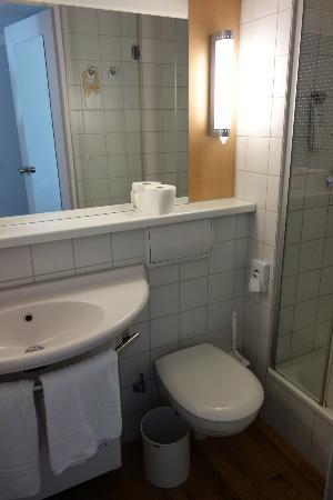 Ibis Berlin Mitte: Toilet