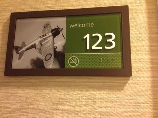 Hampton Inn & Suites Thousand Oaks: our room :)