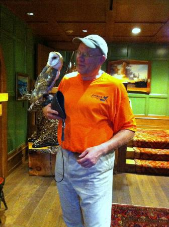 Artisans at the Lake Placid Lodge : The Pet Owl