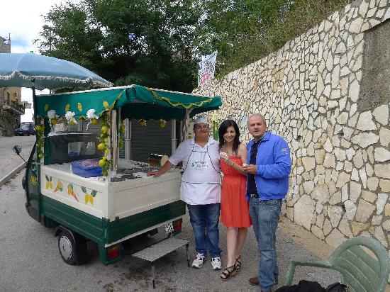 Limousine Rome Tour - Day Tours: Sampling lemon granita
