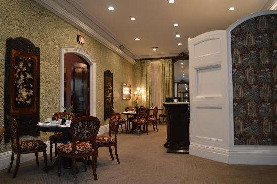 Morrison-Clark Historic Inn & Restaurant: Ontbijtruimte