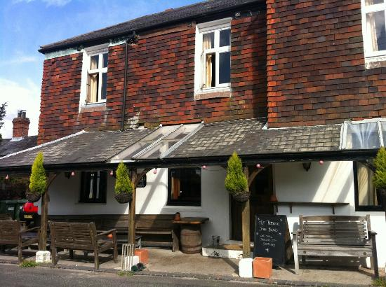 Hawkley Inn : Shabby, unloved and falling apart. Needs a Manager