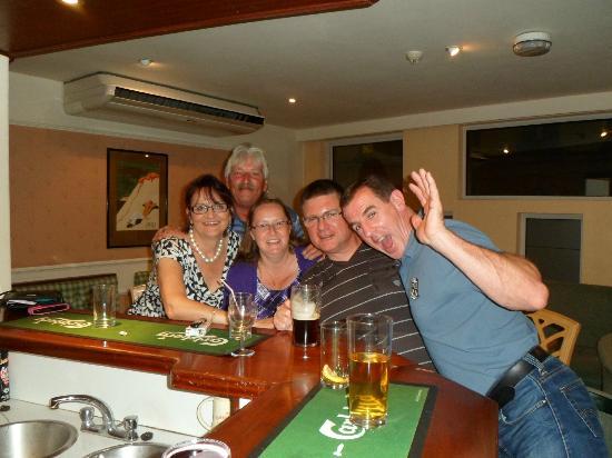 The Norfolk Hotel: friends in hotel