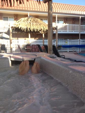 Days Inn Montrose: hot tub!