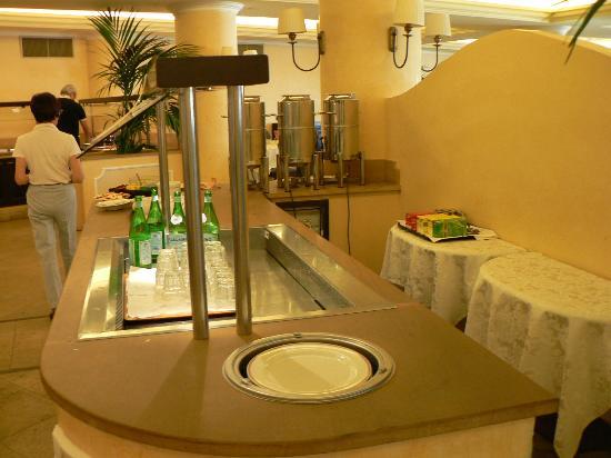 Capo dei Greci Taormina Coast - Resort Hotel & Spa: Breakfast