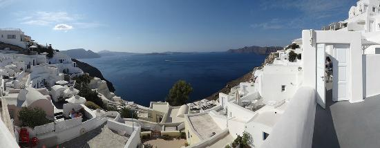 Canaves Oia Hotel: Panoramic view from outside the room