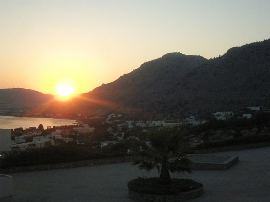 Hotel Ziakis: View from our room at sunset