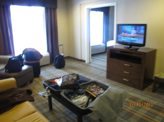 Holiday Inn Express San Francisco Airport-North: FLAT SCREEN IN LIVING ROOM