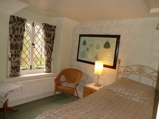 The Gables : Single extra bed in side area next to bathroom