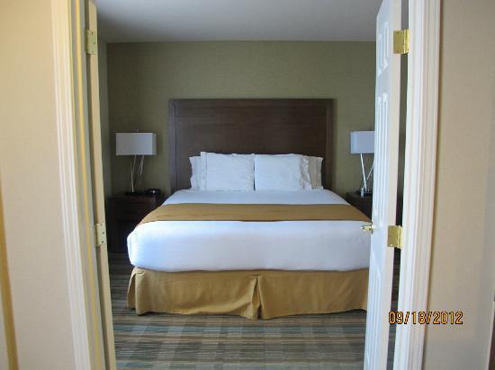 Holiday Inn Express San Francisco Airport-North: BED