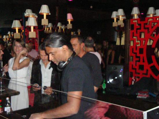 Buddha-Bar Hotel Budapest Klotild Palace: DJ Ravin