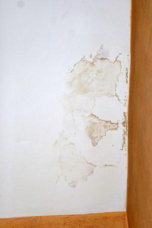 Mabre Residence Hotel: Infiltrazione d'acqua dal soffitto