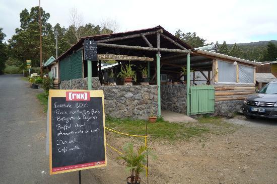 """Saint-Paul, Reunión: Restaurant """"Chez Doudou"""", Petite France, route du Maido, La Réunion"""