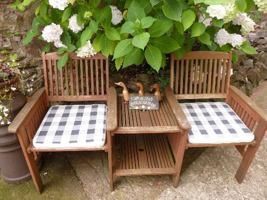 The Wellsway: Nick & Pat's outdoor seating area