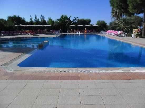 Tayyarbey Hotel: La piscine